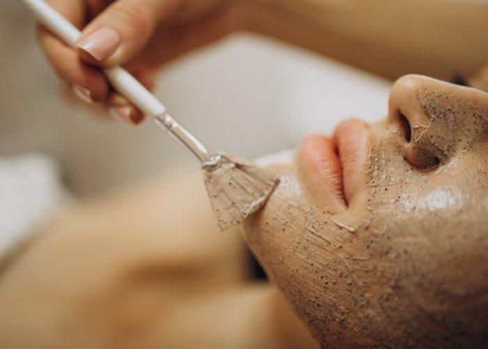 woman-visiting-cosmetologist-making-rejuvenation-procedures